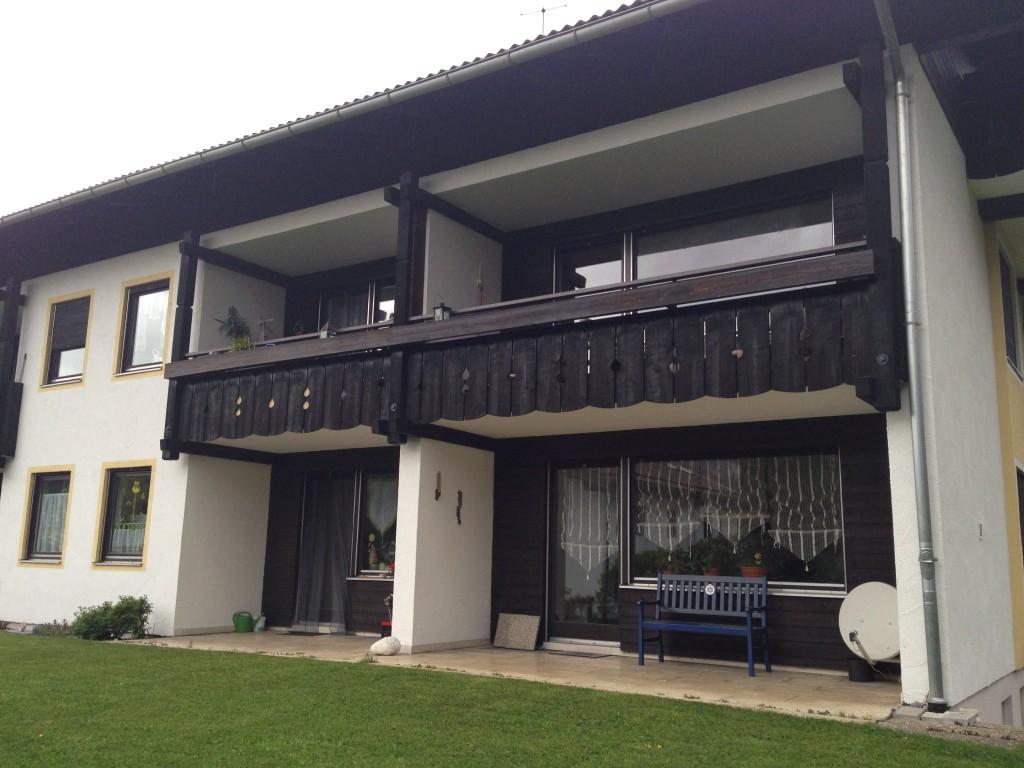 Haus Mit Dunklem Holz